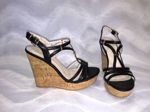 kunstleder sandaletten keilsandaletten mit korkabsatz. Black Bedroom Furniture Sets. Home Design Ideas